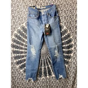 Levi's Premium 724 High-Rise Straight Cropped Jean